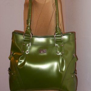 BEIJO OVERSIZE GREEN PATENT LEATHER SHOULDER BAG